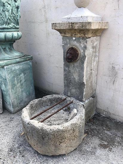 Vieille fontaine Provençale