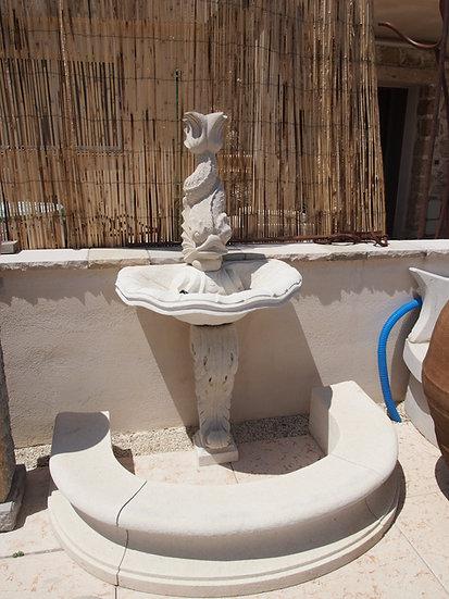 Fontaine en pierre - Poisson