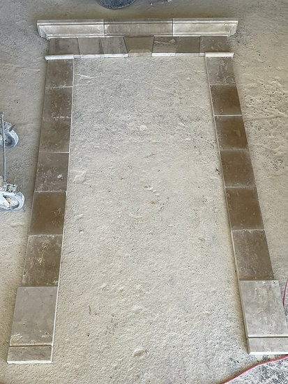Encadrement de porte en pierre