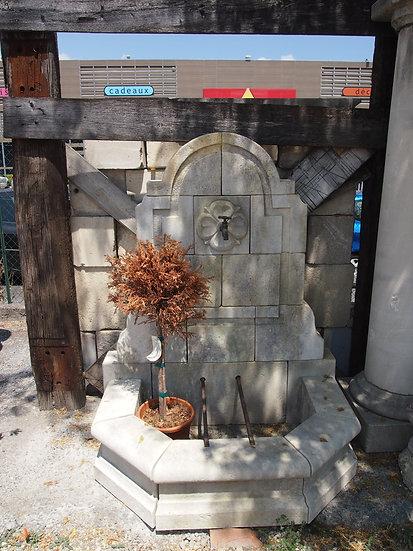 Fontaine en pierre 3