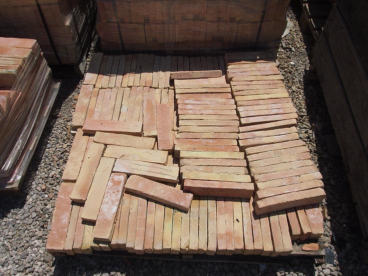 Demi brique batonnet terre cuite 6x22x3cm