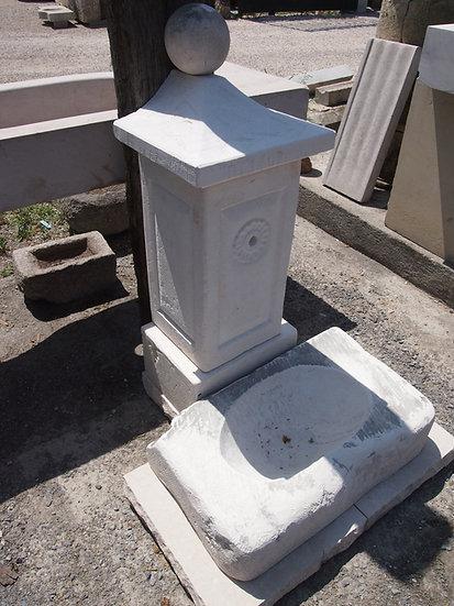 Fontaine en pierre 2