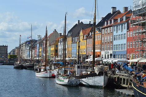 architecture-boats-buildings-416024.jpg