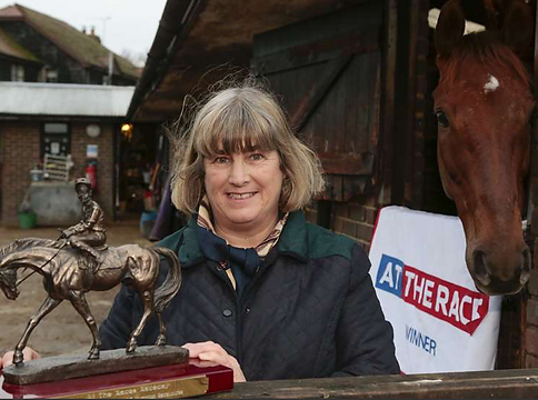 Linda Jewell with Sussex National winner Itoldyou