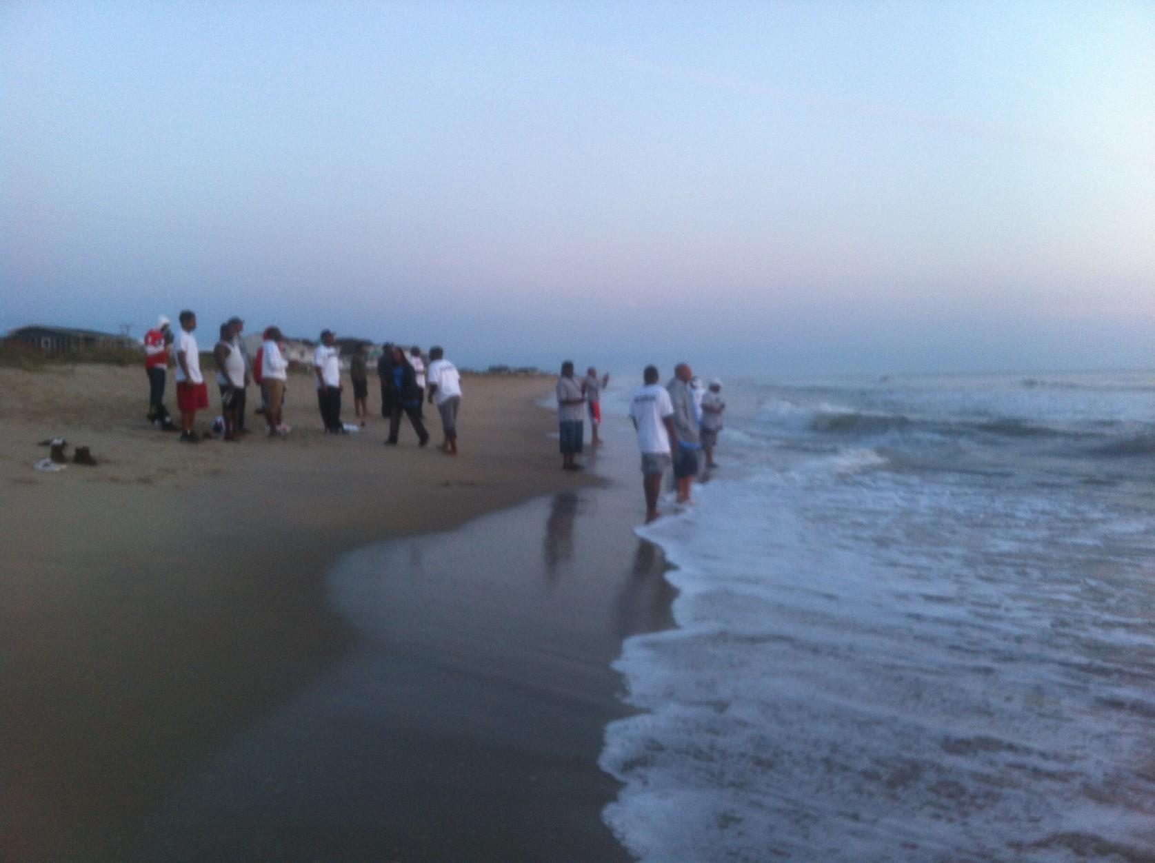 Fambinos @ the beach