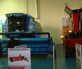 выставка в Астане,комбайн Енисей 950, ООО Технотрансмаш, из стеклопластика