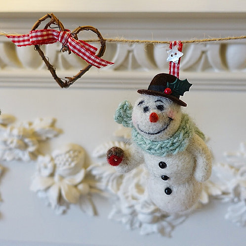 Frankie snowman garland