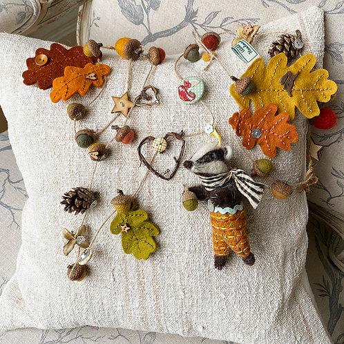 Autumn garland ... Bernard badger