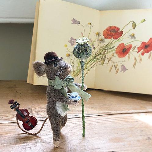 Murphy mouse musician