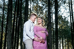 CARLA & WERNER MATERNITY SHOOT-49.jpg