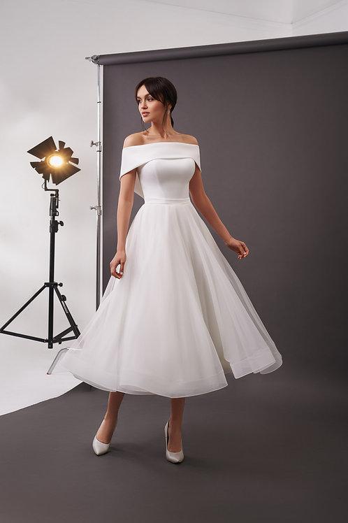 Пышное свадебное платье длины миди Арт. 075