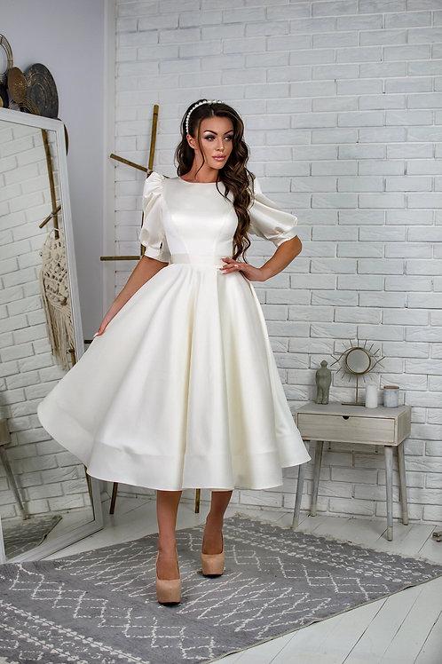 Пышное свадебное платье длины миди Арт. 071