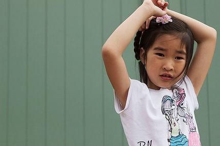 Asian kid in Paris