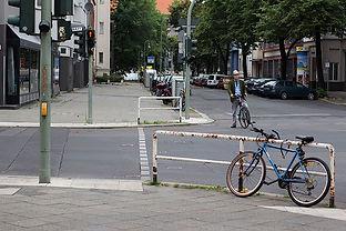 Bike in Berlin . EMY SATO ILLUSTRATION ILUSTRAÇAO PHOTOGRAPHY FOTOGRAFIA ART