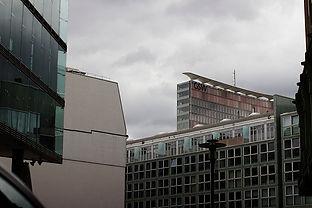 Building in Berlin - EMY SATO ILLUSTRATION ILUSTRAÇAO PHOTOGRAPHY FOTOGRAFIA ART BERLIN