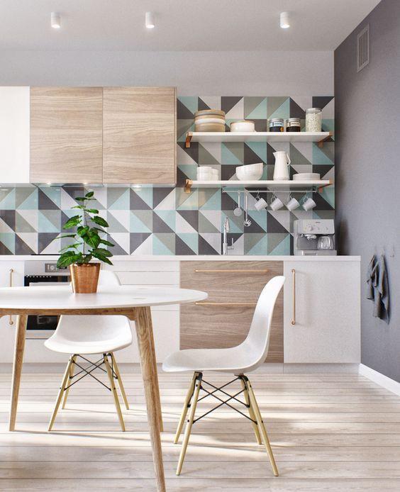 Ambiente neutro com parede em destaque