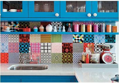 adesivo colorido de azulejo para dar cor a sua cozinha