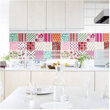 azulejo colorido alegrando a cozinha