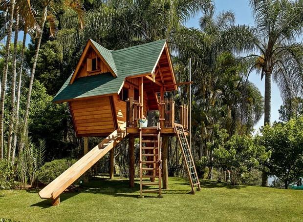 projeto de casa na árvore compacta para seu quintal