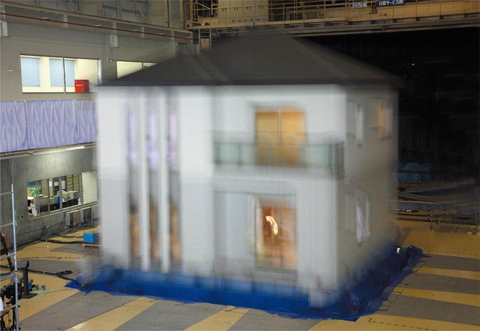 P12_耐震実験.jpg