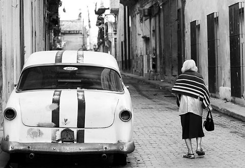 Woman Of Havana BW