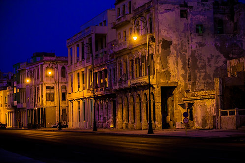Dim Lights In Havana