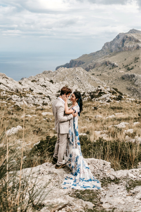 mallorca elopement in the mountains