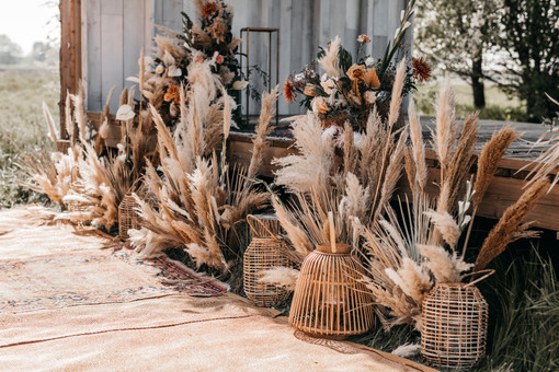 dried flowers at kent wedding