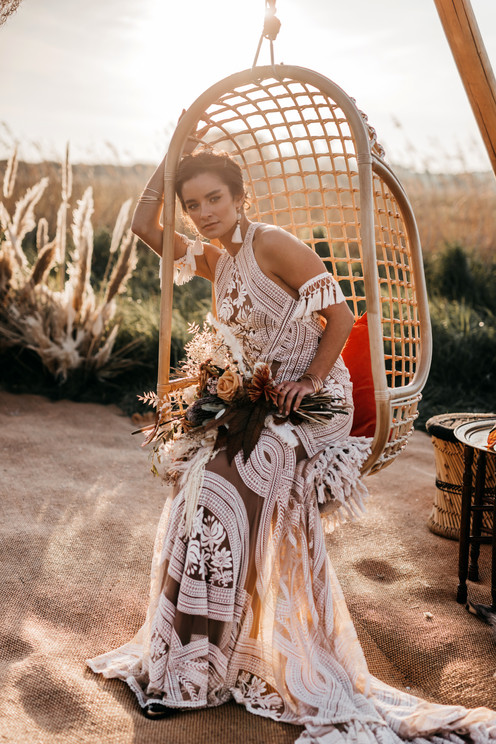 bride in nude coloured Rue de seine dress
