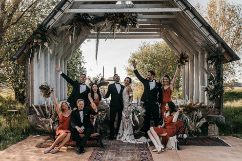 boho bridal party group photo at wilderness weddings