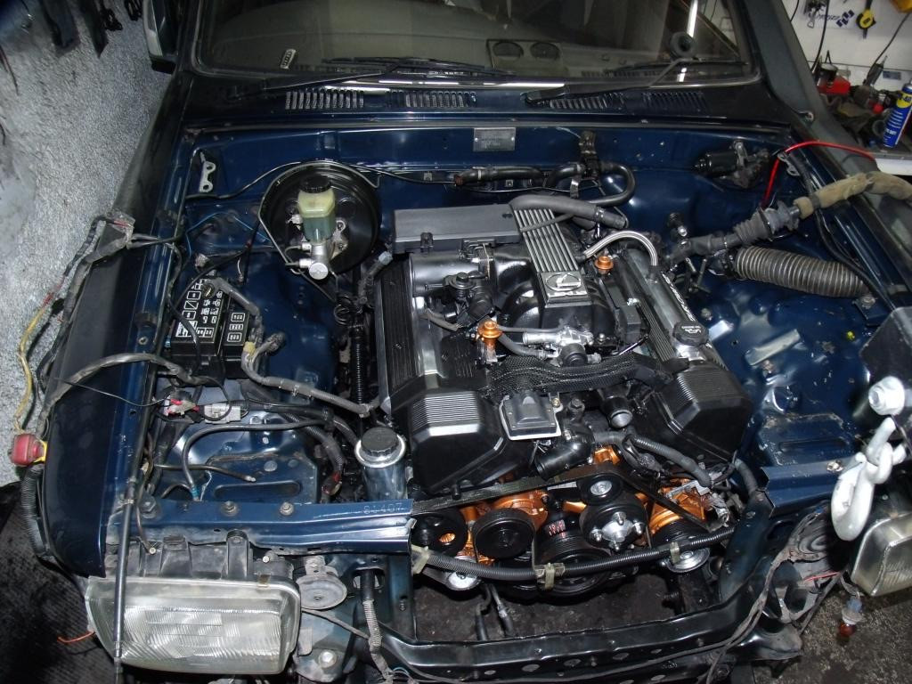1UZFE in engine bay
