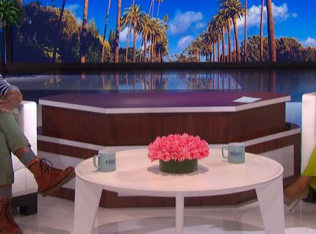 Guest Host Tiffany Haddish Tries To Convince Taye Diggs To Join Bumble On 'Ellen'
