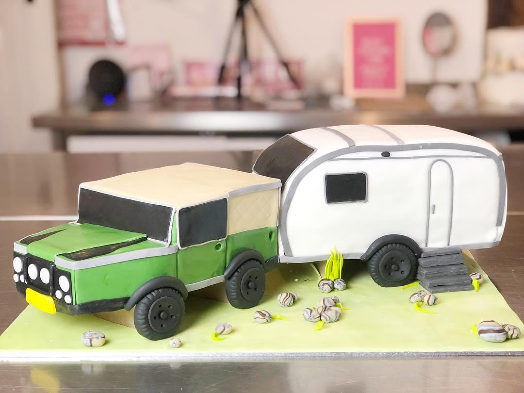 land rover and caravan