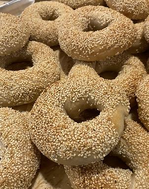 Single sesame bagel
