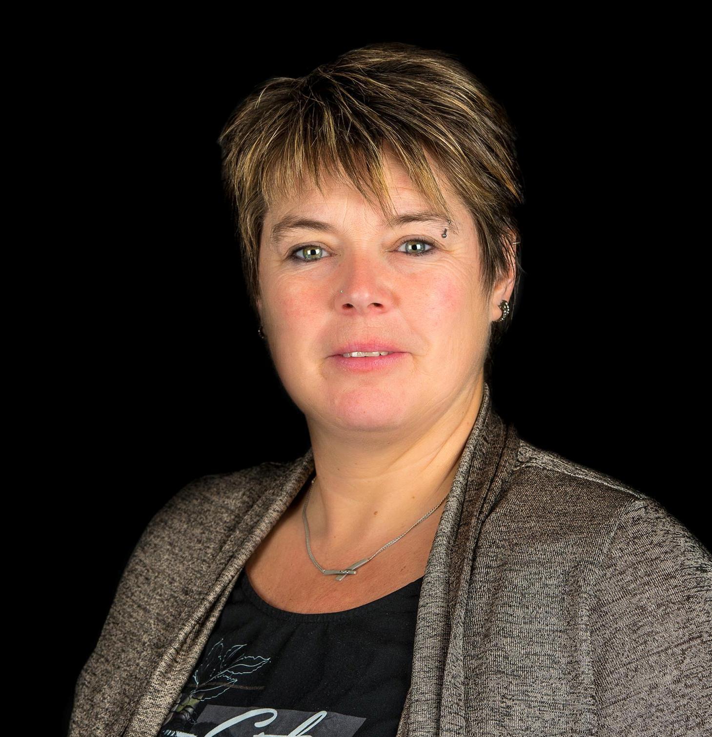 Marion Simons
