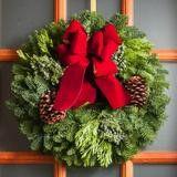 Lynch Creek Farm_Traditional Red Wreath.