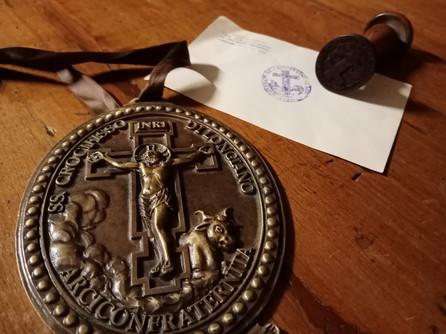 medaglione arciconfraternita.jpg