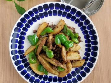 【時短レシピ】フライドポテトde絶品おかず(挽き肉&黒胡椒)