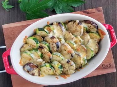 下焼きなしでジューシー♡【レシピ】ズッキーニと茄子のクミンチーズ焼き