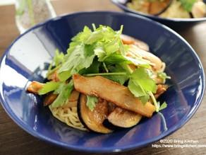ランチにピッタリ♪【レシピ】豚トロ茄子の和えソバ