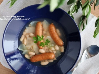 煮込みは3分!【レシピ】白いんげんとウインナーの煮込み