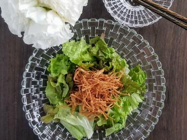 ダイエットにオススメ!【レシピ】カリカリえのきの梅サラダ