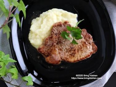 材料2つでご馳走♡【レシピ】豚肉のハーブソテー ミルクポテト添え