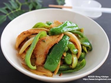 白いご飯のおかず♡【レシピ】豚とろピーマンのカレー炒め