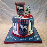 241-ITFC-Drip-Cake.jpg