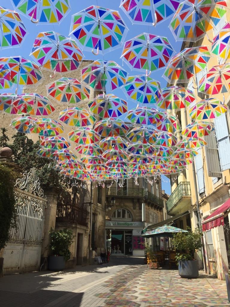 Jolis parapluies de Béziers