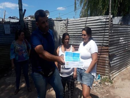 """Recorrida por el asentamiento """"Aquiles lanza"""" junto a la Candidata a la IMM Sra. Laura Raffo"""