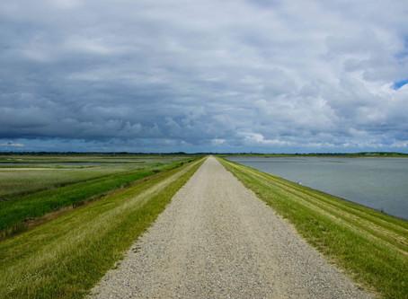 """Mit dem Fahrrad ums """"Rantumer-Becken"""" und dem Wattenmeer entlang auf dem Damm"""