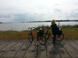 mit dem Fahrrad am Achterwasser