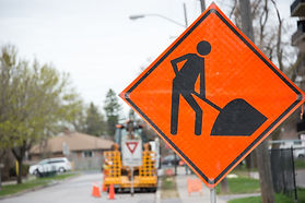 Construction traffic sign warning in con